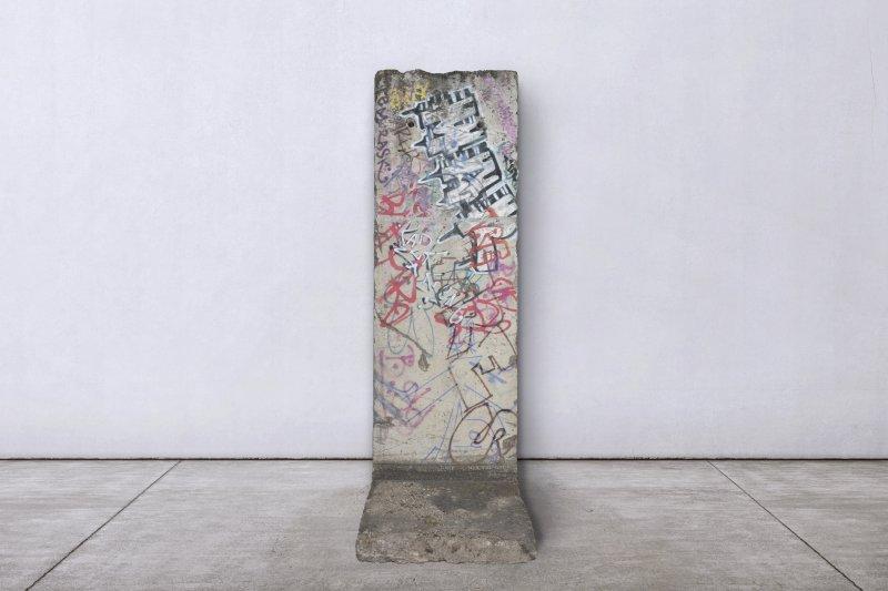brafa-2020-3-blocco-muro-di-berlino-ph-raf-michiels