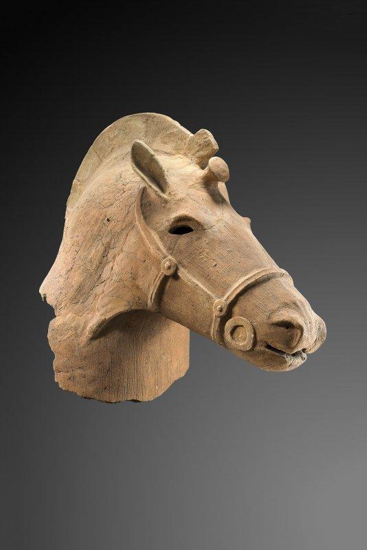 brafa2020-haniwa-horse-head-japan-kofun-period-deydier