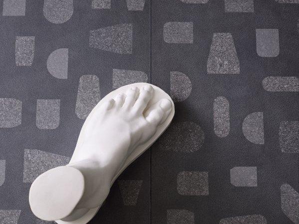 ceramiche-piemme-fragments-bypierre-charpin-resin-charcoal-decor-form-ph-cedrone-17648