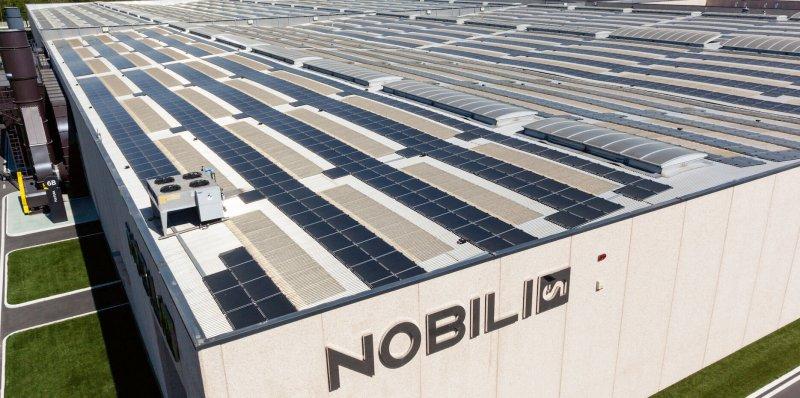 la-sede-nobili-a-suno-l-impianto-fotovoltaico