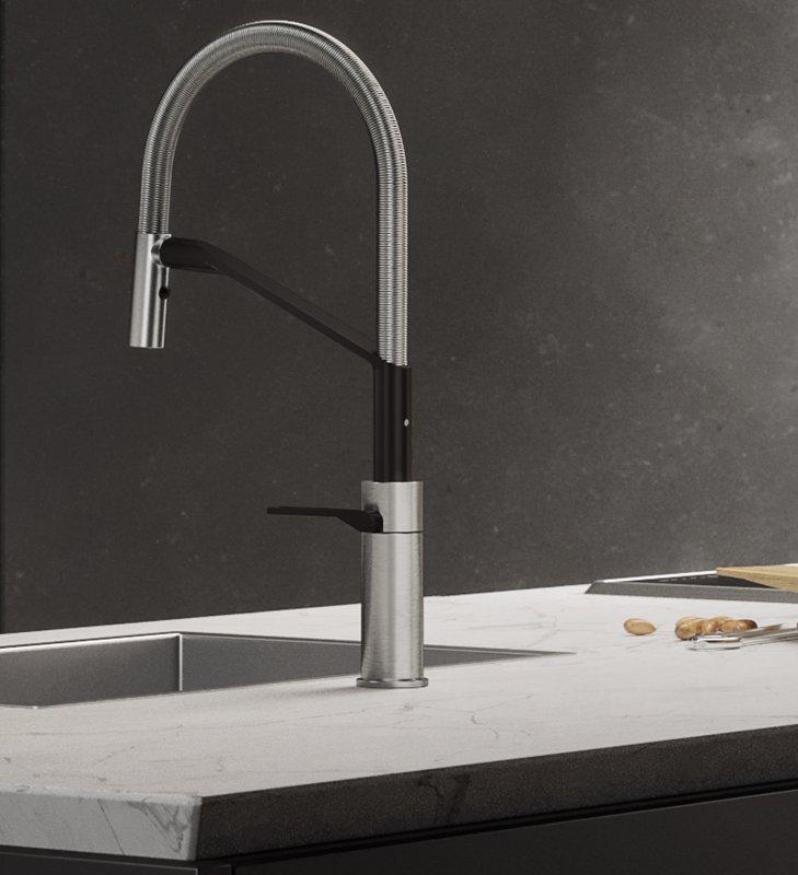 nobili-rubinetteria-cucina-heron-ambientazione-nella-finitura-inox-e-velvet-black