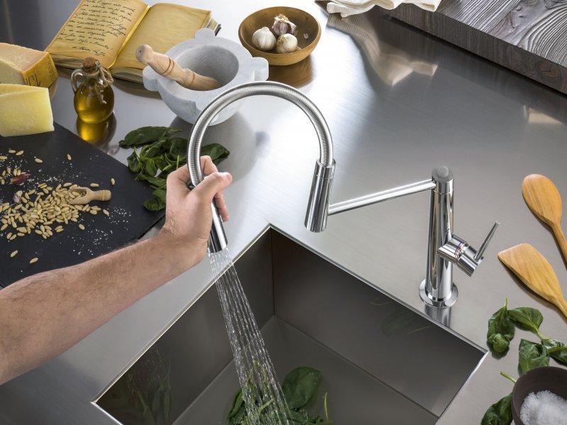 nobili-rubinetterie-miscelatore-cucina-levante-particolare-della-bocca-di-erogazione-design-m-venzano-29286