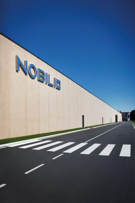 nobili-rubinetterie-sede-a-suno-no-esterni-31406