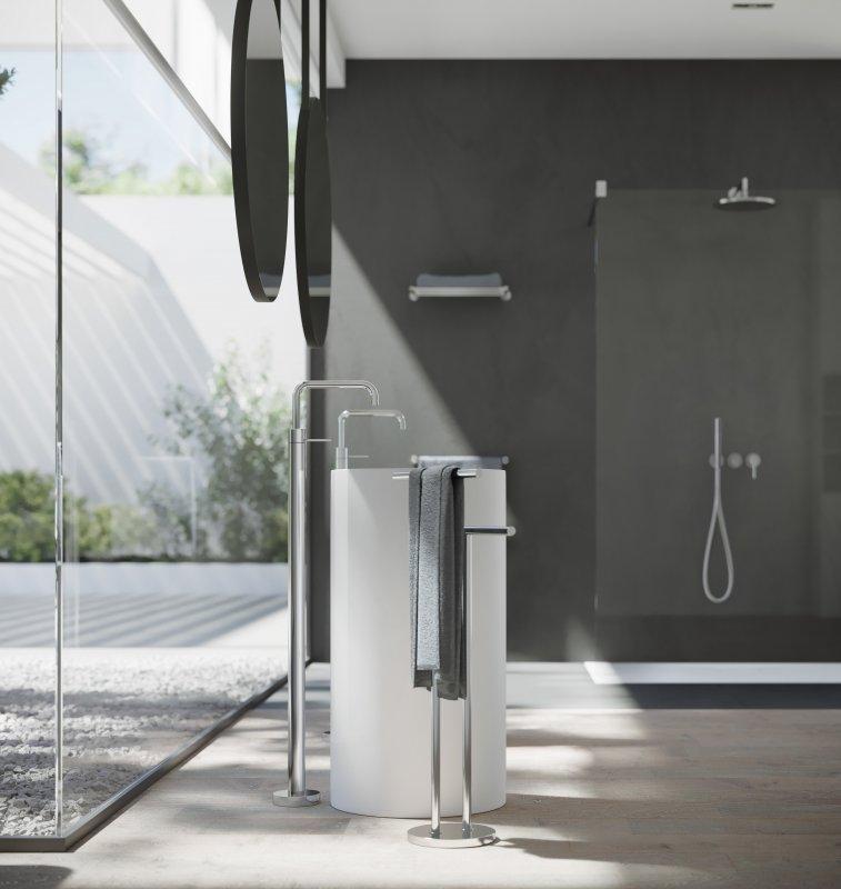nobili-velis-miscelatore-lavabo-a-pavimento-e-gruppo-doccia-finitura-cromoata