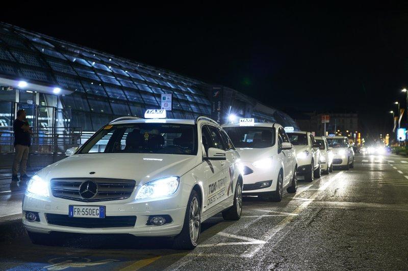 taxi-torino-a-porta-susa-ph-a-lercara-3