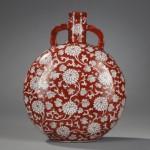 BRAFA 2019 Galerie Bertrand de Lavergne Chinese porcelain red moonflask (2)