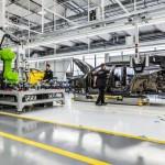 CPM   stabilimento Lamborghini (Sant'Agata Bolognese)   Operai al lavoro su Urus
