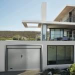 Dierre   Freebox   portone garage microdiamantato bianco con portina pedonale centrale